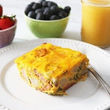 Easy Breakfast Casserole with Sausage and Potatoes